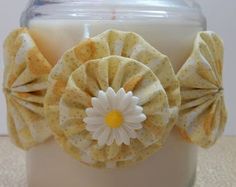 Yo Yo Candle Tie with Yellow Sparkle Fabric and White Daisy