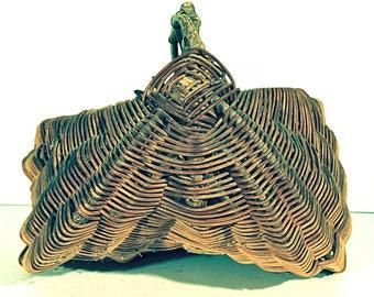 Twig Buttocks Basket with God Eyes Garden Egg Basket Twig Splint Woven Basket with Handle