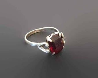 Vintage Red Rhinestone Heart Ring, Sterling Silver, Valentines Day, SZ 6 ,Romantic Ring, Art Deco Ring