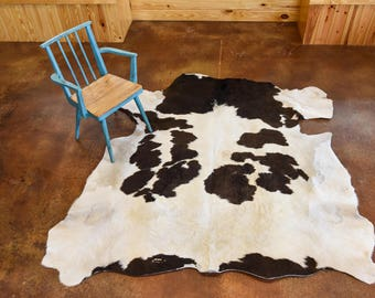 Grassfed Cowide Rug - White with Brown Spots
