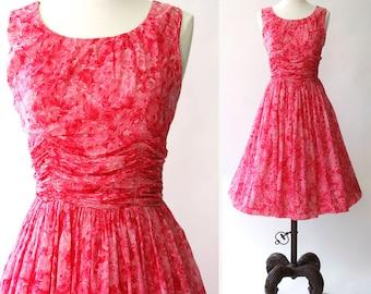 vintage 1950s dress <> 1950s floral cotton dress <> 50s pink floral dress