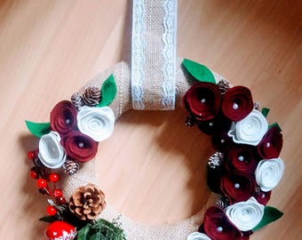 Christmas Garland in jute and felt in shades of beige and burgundy