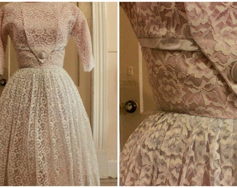 50s Lace Fit-and-Flare Wedding Dress Size S