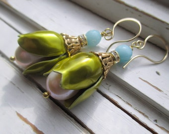 Mona Dangle earrings, série femmes de Mad Men, fils d'oreille or 14 k