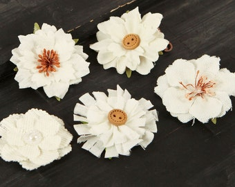 SALE CLEARNACE 30% 0FF: Tessitura A Vintage Style White Cotton Canvas Fabric Flowers varying styles and sizes