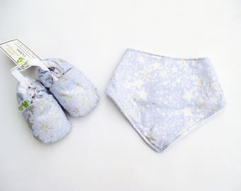 Sale SMALL Sparkle Stars / Soft Sole Shoes and Bandana Bib / Baby Gift Ready to Ship