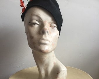 1940s tilt hat with feathers