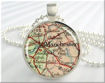Manchester Map Pendant, Manchester England Map Necklace, Resin Pendant, Vintage Map Charm, Round Silver, Gift Under 20, Travel Charm 463RS