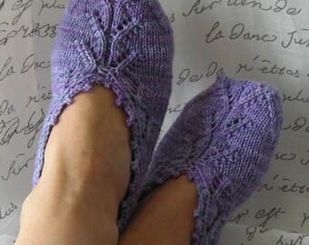 Knitting Pattern PDF - slipper socks - Chausettes de Lavande - Lavender Socks - women's slippers - easy quick knit - DIY Valentines Day gift