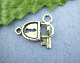 lot 8 lock with key 11 toggle clasps x 22 mm silver