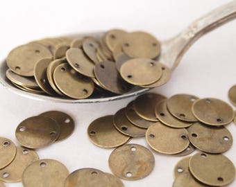 30 Metal Stampings Charms Flat Coin Shape Antique Brass Size 10mm Hole 1mm