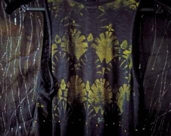 Black short dress: art deco pattern and beads