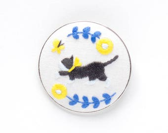 Cat and Butterfly - Embroidery Brooch Kit