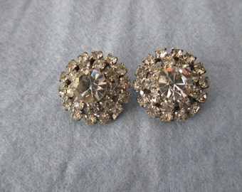 Vintage  FIre Clear Rhinestone CLip Earrings - Estate find!