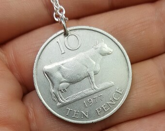 COW NECKLACE. vintage 1979 Guernsey ten pence - Cow jewelry - cow pendant - farm jewelry - coin jewelry - farmer - dairy British