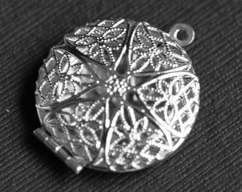 5 pcs of Silver plated filigree Locket Charm Pendant 27x32mm