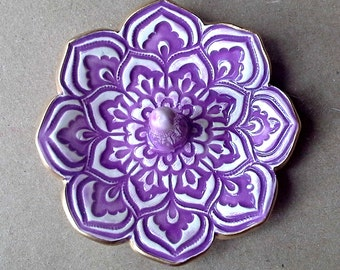 Purple  Ceramic Lotus Ring Holder Bowl with Gold Edge ring holders