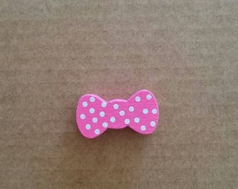 Bow tie pink wood beads