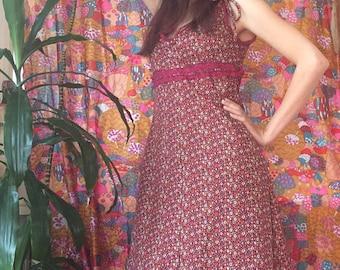 70s Calico Ditsy Daisy Autumnal Maxi Dress with Bow Prairie Size Medium