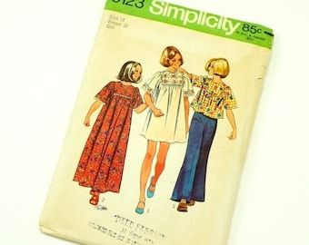 SALE Vintage 1970s Girls Size 14 Hippie Dress in Two Lengths or Top Simplicity Sewing Pattern 6123 Complete / b32 w27 / Short Kimono Sleeves