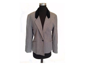 Vintage 1990s Fly Girl Grey and Velvet Collar Pocket Blazer size L