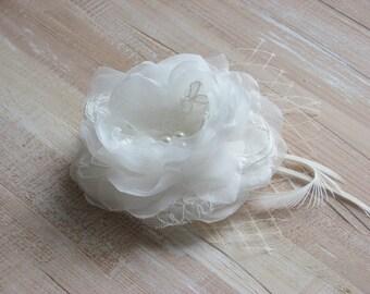 Ivory hair flower Wedding ivory flower Bridal hair flower Ivory hair flower Ivory bridal headpiece 3 inch ivory flower Bridal ivory flower