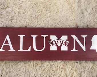 Mississippi State alumni sign