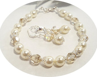 Ivory  Bridal Bracelet and Earrings Pearls Crystals, Wedding, Bridal Jewelry, Bridesmaid