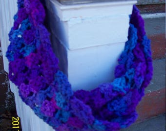 Hand Crocheted Infinity Shell Scarf