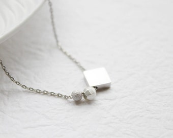 Simple Silver square faceted bead Necklace - S2144-1