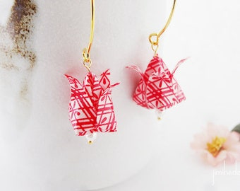 Earrings origami tulip red japanese pattern, folded paper