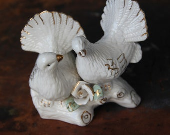 2 available Vintage Porcelain Turtle Dove cake topper, Love Birds Wedding Cake Topper Gold accents, Woodland Wedding, Love bird cake topper