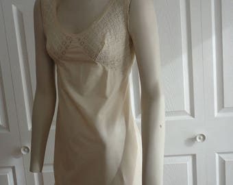 70s Beige Nylon/Lace Women Short Nightgown  60s Size 34 French Maid Made in Canada