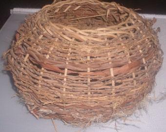 Vintage New England traditional nest basket