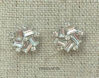 Earring pave rhinestones