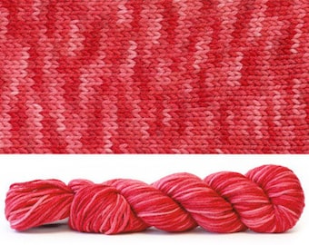 Simplicity Worsted Weight Tonal True Red 921
