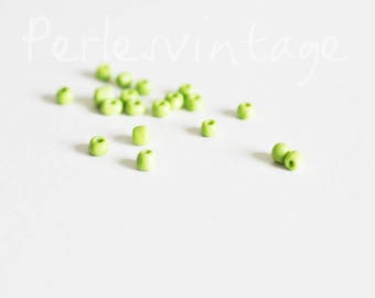 large light green seed beads, supplies for jewelry, green seed beads, opaque green, lot 10g, 4mm diameter