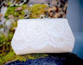 Rustic Bridesmaid Clutch, Leaf Lace Clutch, Lace Bridal Clutch, Vintage Style Lace Purse, Bridesmaid Clutch, Elegant Purse, 7-inch frame