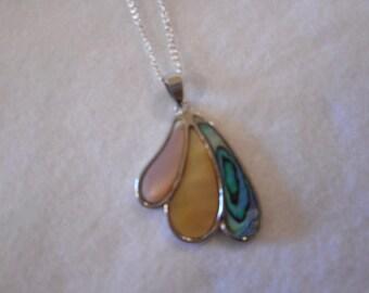 Necklace - Three Color Swirl Pendant