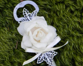 Small Skeleton Key Boutonniere