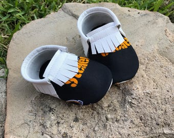 Pittsburgh Steelers Baby Shoes Moccasins - Handmade Moccs // Baby Moccs // Football Moccasins // TEXAS MOCCS // Baby Moccasins