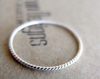 Summer. Sterling Silver Thin Rope Stacking Ring. Infinity Ring. Twist Ring. Nautical Silver Ring. Handmade Modern Ring.