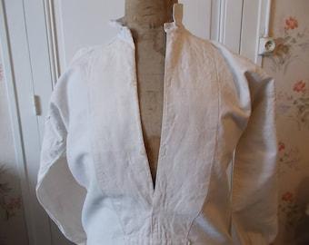 Antique French Linen Men's Nightshirt. HAND SEWN.  Linen Night Shirt.  Antique Nightshirt.  French Linen. CB01