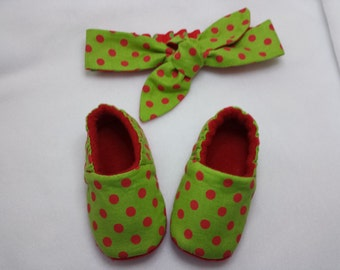 Christmas, Baby SHOE, Red Polka Dot, Baby SOFT SOLE shoe, Reversible, Knot HeadBand, Top Knot