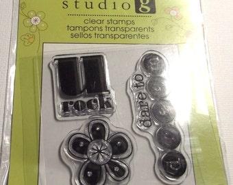 Mini U Rock Stamp Studio G clear stamp Floral Dare to dream