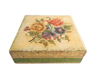 """Antique 1920's Italian Florentine Green and Gold Flower Box - Floral Bouquet - Jewelry Trinket - 7"""" x 7"""" x 2 1/4"""" - Signed LB ITALY"""