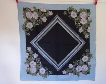 "Vintage scarf Emiliqui with flower design  75m x 75cm / 29.5"" x 29.5"""
