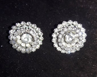 Weiss Vintage 40s rhinestone silver tone clip on earrings. Old Hollywood.