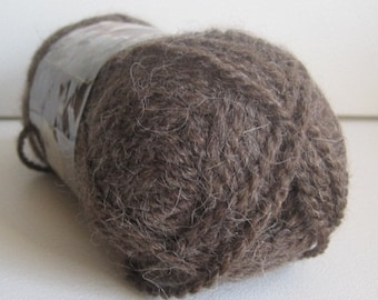 1 skein of Lion Brand Al Pa Ka yarn