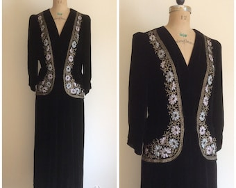 1920s 1930s Beaded Black Velvet Party Dress 20s 30s Metal Embroidered Flapper Gown Carson Pirie Scott Co.